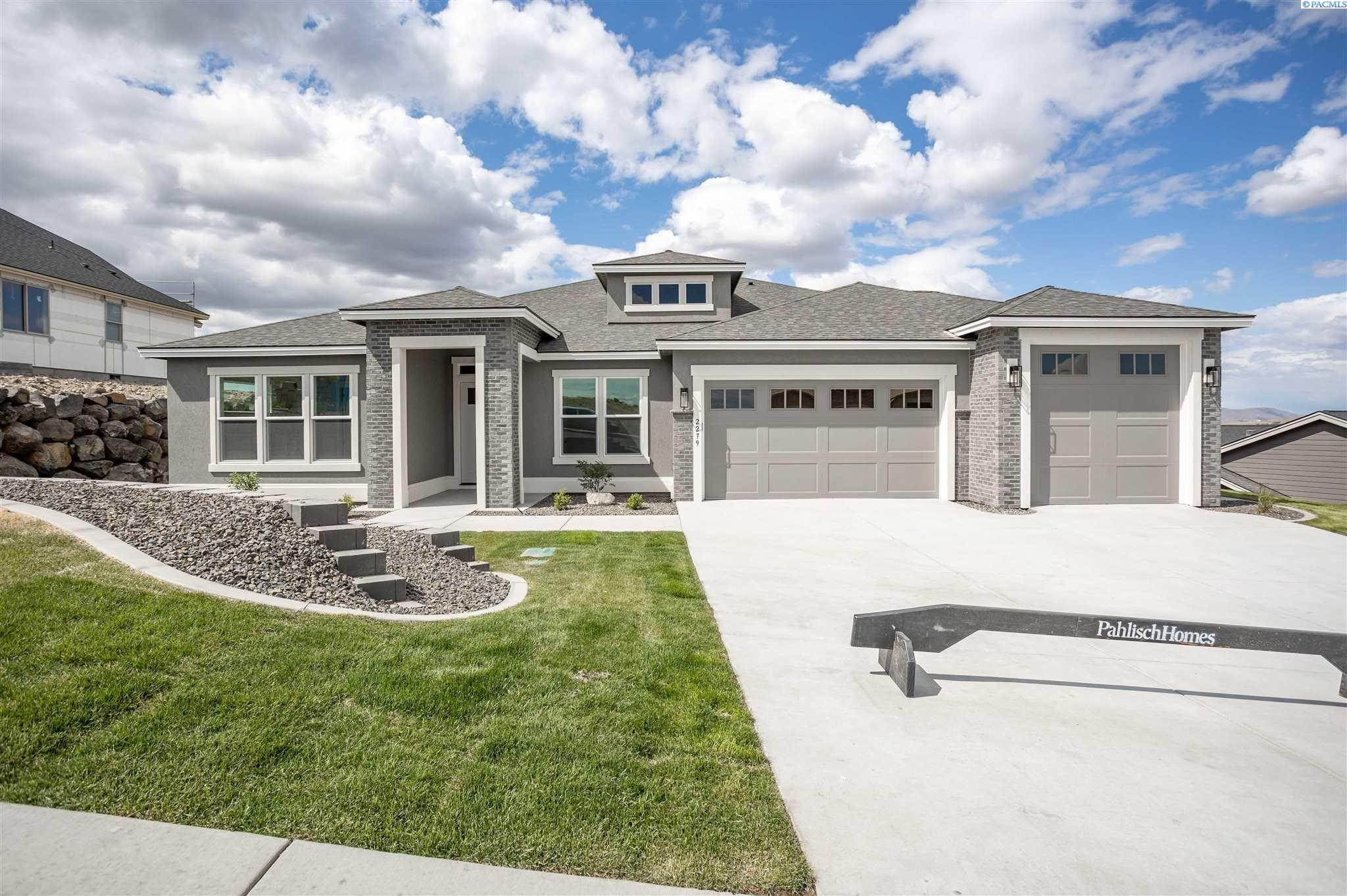 Single Family Homes for Sale at 2279 Skyview Loop Richland, Washington 99352 United States