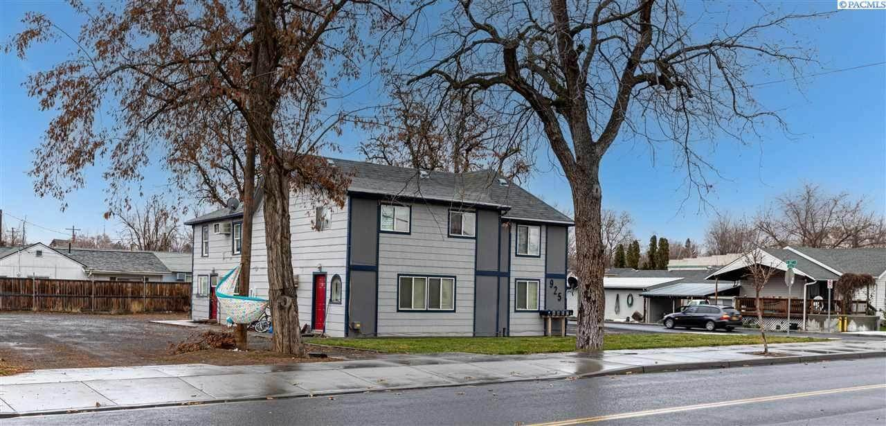 Multi-Family Homes for Sale at 925 S College Avenue Walla Walla, Washington 99324 United States