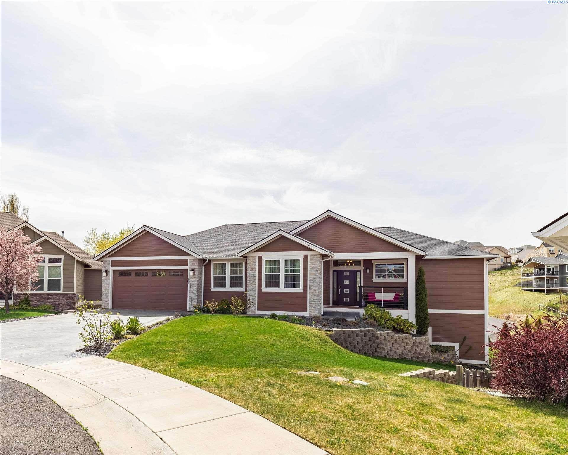 Single Family Homes for Sale at 835 SW Blue Heron Pullman, Washington 99163 United States